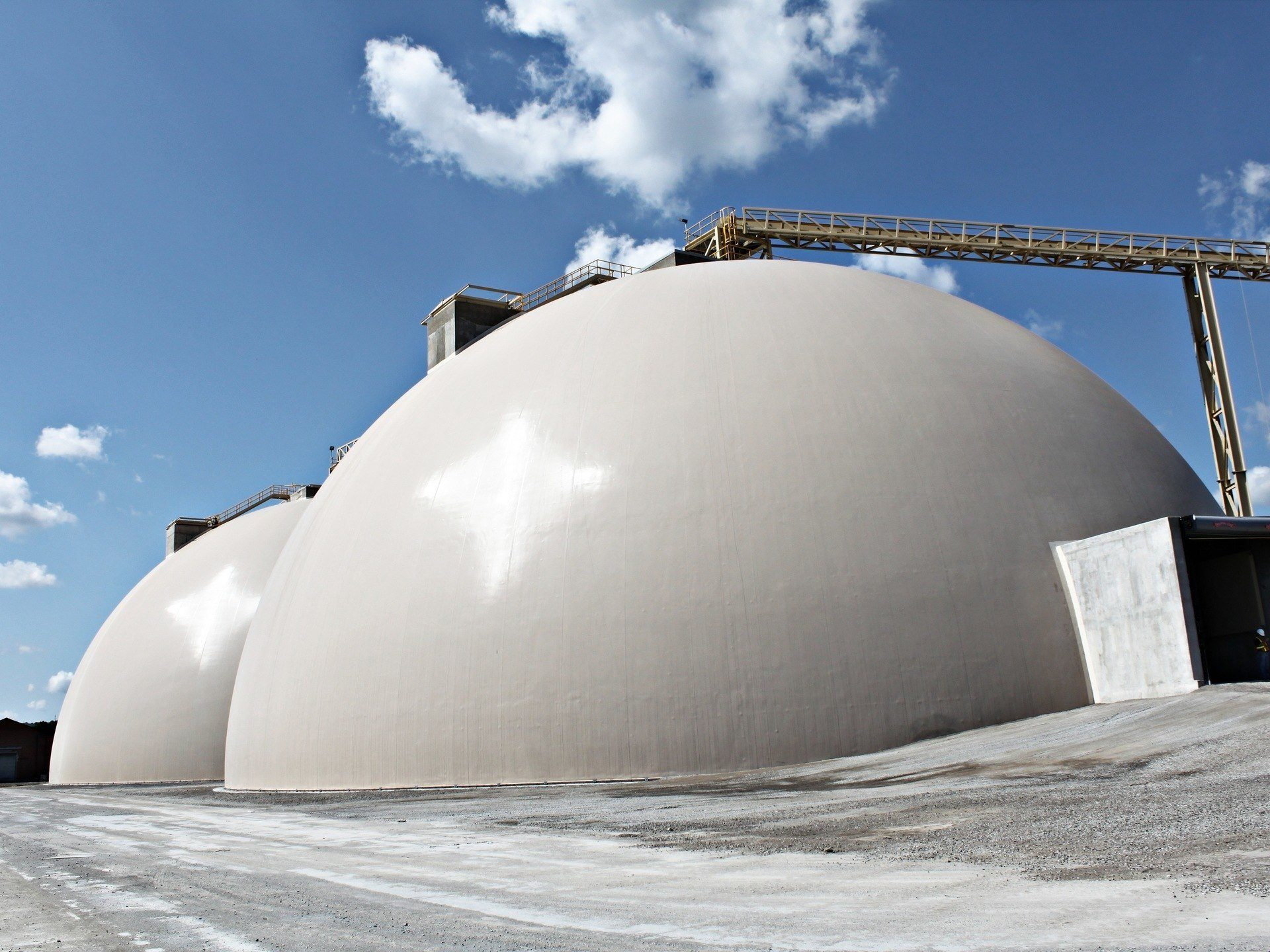 Parrish and Heimbecker Terminal - Grain and Fertilizer Bulk Storage
